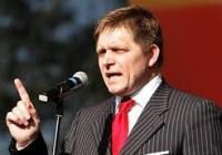 Pre blaho EÚ Fico rád obetuje slovenskú suverenitu