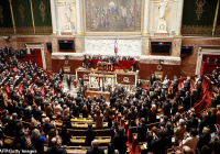 Francúzsky parlament prejednáva úradnú kategóriu matka a otec