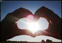 Láska je vlastnosť duše, vďaka ktorej sme schopní dávať a nič nežiadať späť