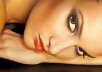 Ako si správne vybrať make-up