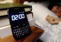 Mobil má negatívny vplyv na hormón spánku melatonín a preto do spálne nepatrí