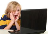 """Ako šikanuje Facebook – """"najväčšia"""" sociálna sieť"""