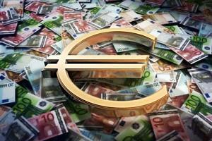 euro_peniaze_mena_bankovky_v